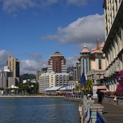 Port Louis, grad sa tropskom klimom
