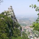 San Marino, okružen Italijom