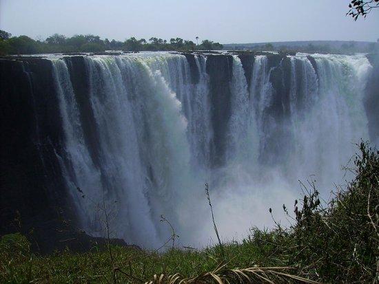 Viktorijini slapovi, Dim koji grmi