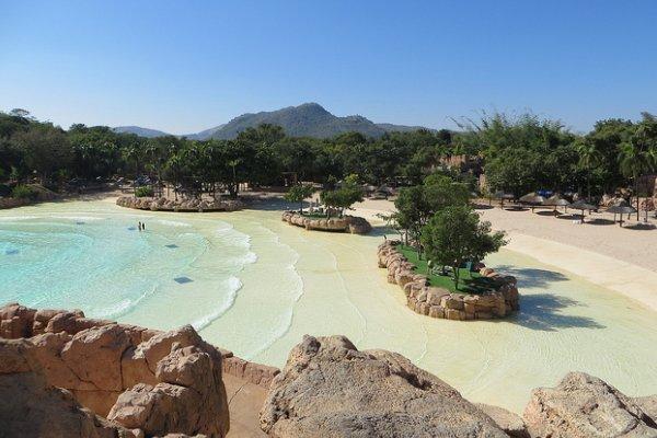 pješčana plaža u resortu