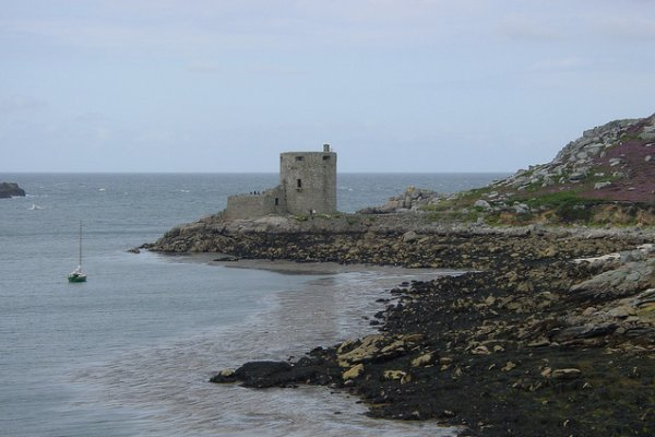 stara utvrda na otoku