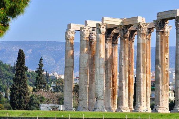 stupovi na akropoli
