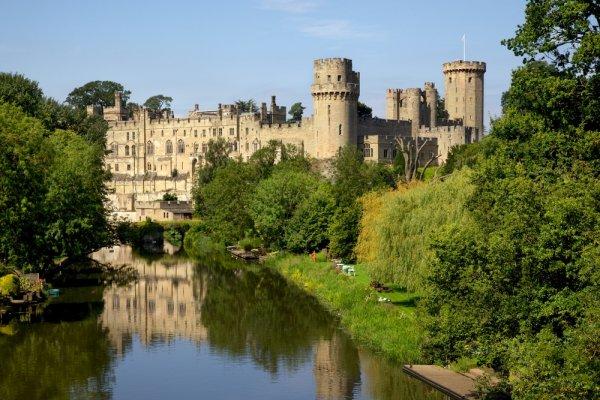 rijeka kod dvorca