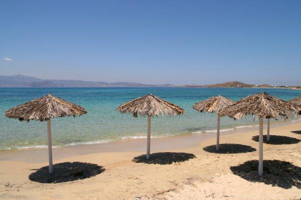 suncobrani na plaži