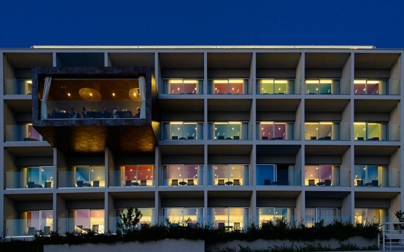 hotel split by night