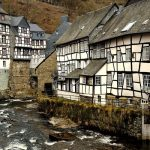 Monschau – popularni njemački grad bez javnog prijevoza
